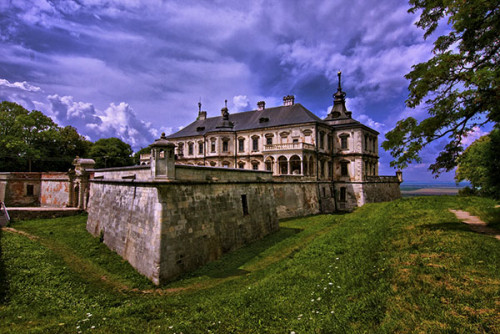 Замки львівщини